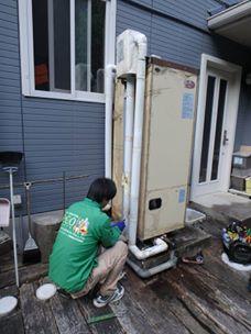 松本の温水器工事手伝い