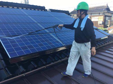 太陽光発電パネルメンテナンス